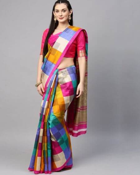 SAREE MALL Checked Saree with Blouse