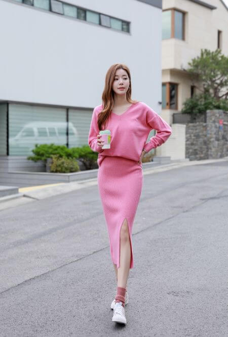 V-neck Knitted Top and Ribbed Skirt Set